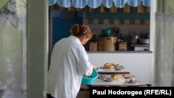 Licitaţiile publice defectuoase şi alimentația copiilor în şcoli