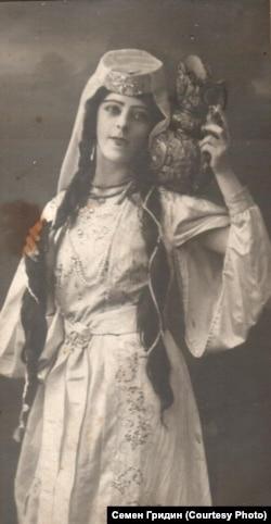 Оперная певица Ксения Казаринова