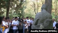Həsənbəy Zərdabinin heykəli