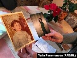 Фото дочери остались у Константина Зимина только в бумажном виде, весь цифровой архив изъят