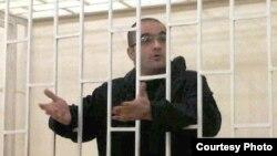 Сотталған әзірбайжандық журналист Эйнулла Фатуллаев. Көрнекі сурет.