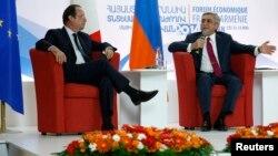 Президенты Франции и Армении - Франсуа Олланд (слева) и Серж Саргсян - во внремя армяно-французского экономического форума, Ереван, 12 мая 2014 г․