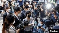 Čelnik Samsung Grupe Lee Jae-yong stiže na sudsko ročište u središnji okružni sud u Seulu, Južna Koreja, 8. juna 2020.