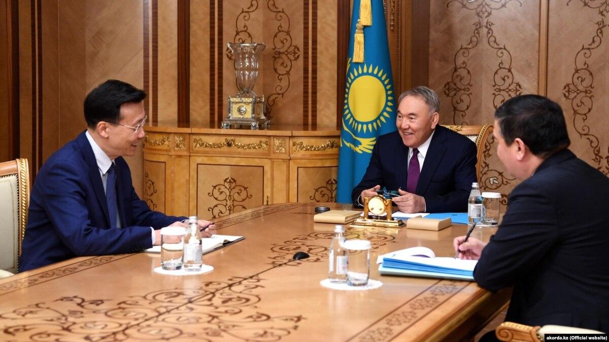 Президент Монголии прибыл в Пекин с государственным визитом