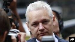 Основачот на Викиликс, Џулијан Асанж