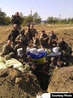 Андрій Олефіренко з товаришами на передових позиціях на Донбасі