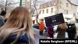 """""""Salvați râul Nistru!"""" - un marș împotriva hidrocentralelor ucrainene pe Nistru"""