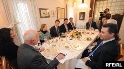 Лидерска средба кај евроамбасадорот Фуере