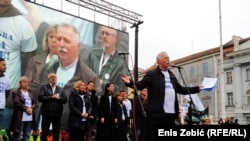 Mihalinec (na fotografiji na protestu u Zagrebu): 'Odbijanje vladine ponude ima dvoznačnu poruku'