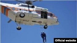Вертолет МЧС, проводящий спасательные работы в различных чрезвычайных ситуациях.