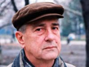 Traidor para uns e herói para outros, ex-general aguarda absolvição na Sérvia