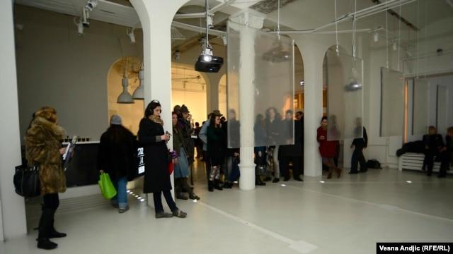 Sa izložbe Bogomira Doringera ''Gostoprimstvo''