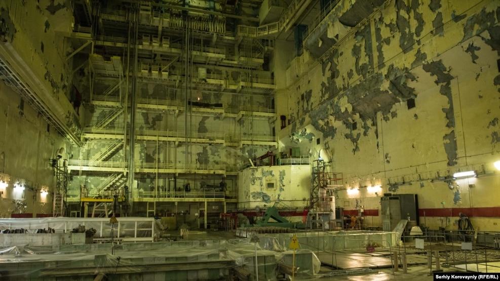 Отдельные узлы Чернобыльской АЭС продолжали работать и после аварии. Последний энергоблок вывели из эксплуатации в 2000-м году