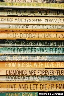 İan Felimg-in Bond haqda kitabları