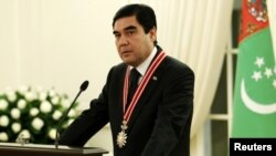 Türkmenistanyň prezidenti Gurbanguly Berdimuhamedow Ankarada, 29-njy fewral.