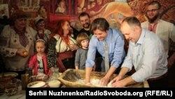 Українські митці, ветерани АТО та родини Героїв Небесної сотні 23 квітня взяли участь у акції «Великдень для героїв»