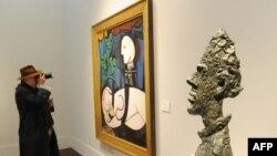 Një nga pikturat e Picassos në një muze të Nju Jorkit