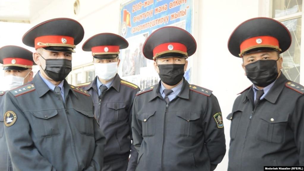 Кыргызстанские милиционеры.