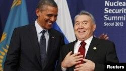 АҚШ президенті Барак Обама мен Қазақстан президенті Нұрсұлтан Назарбаев. Оңтүстік Корея, Сеул, 27 наурыз 2012 жыл.