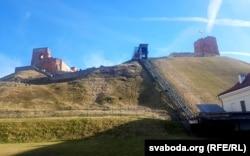 Гара Гедзіміна ў Вільні з пахаваньнямі паўстанцаў