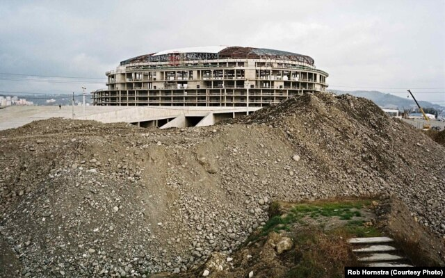 Safety personnel were scarce for grand projects in Sochi.