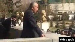 Глава ГБАО вышел к протестующим