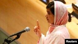 ملاله یوسفزی در هنگام سخنرانی در سازمان ملل متحد