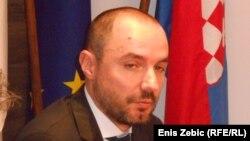Loši odnosi između Beograda i Zagreba prelamaju se preko leđa manjina: Boris Milošević