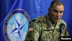 Головнокомандувач сил НАТО в Європі, американський генерал Кертіс Скапаротті