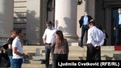 Boško Obradović ispred parlamenta, 10. maj