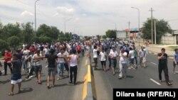 Учасники протесту в Шимкенті стверджують, що вибухи знищили їхні домівки
