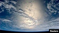 Երկիր մոլորակը տիեզերքից, արխիվ