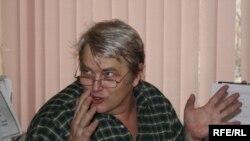 """Америкалык фотограф Сергей Мелникофф """"Азаттыктын"""" кенсесинде, Бишкек, 4-февраль, 2010-жыл."""