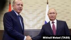 Президент Турции Реджеп Тайип Эрдоган (слева) и президент России Владимир Путин. Сочи, 17 сентября 2018 года.