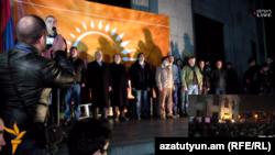 «Նոր Հայաստան»-ի ներկայացուցիչները Ազատության հրապարակում, արխիվ