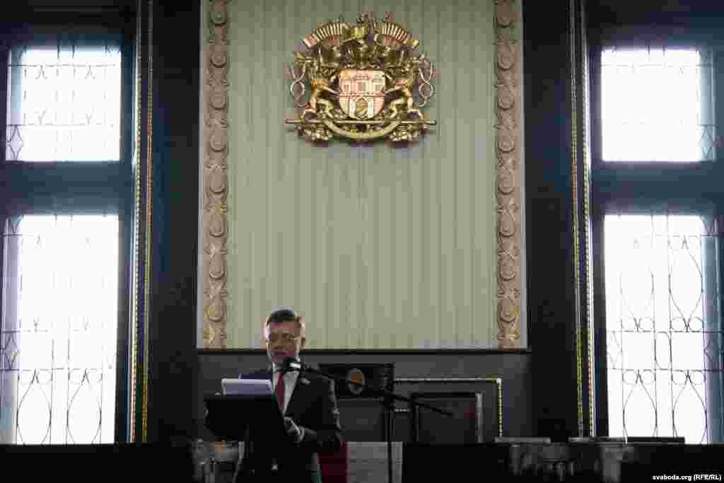 Гісторык, пісьменьнік і журналіст Радыё Свабода Сяргей Абламейка выступае са сваёй прамовай з нагоды 100-летняга юбілею БНР.