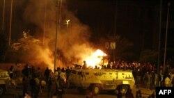 Përleshjet ndërmjet të krishterëve koptë dhe myslimanëve në Kajro.