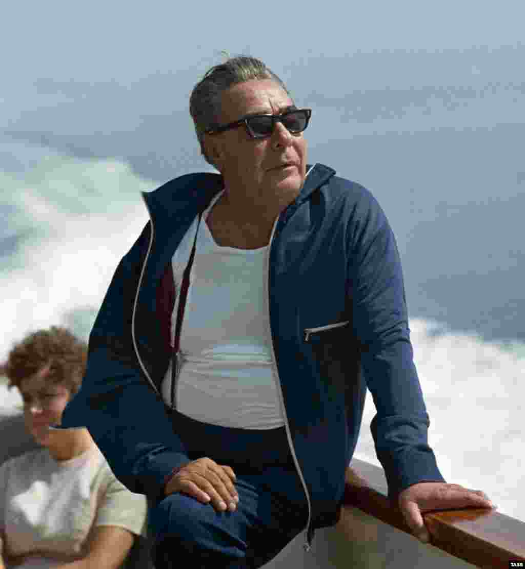 Russia - Soviet leader Leonid Brezhnev during vacation in Crimea, 01Aug1971 - rob2007