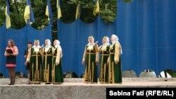 Mariupol , Ucraina 2016. Cântece patriotice