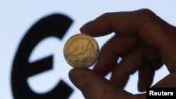 Монета евро. Иллюстративное фото.