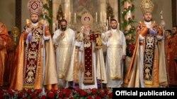 Սուրբ Հարության տոնին մատուցվող պատարագ՝ Մայր Աթոռ Սուրբ Էջմիածնում, արխիվ