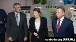 (Зьлева направа) Скот Роланд, Гэлен Кларк і Ўладзімер Макей