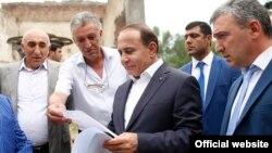 Armenia -- Prime Minister Hovik Abrahamian visits Lori province, 14Aug2016