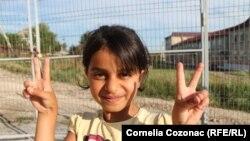 Un copil refugiat sirian la Mereni