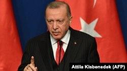 رئیسجمهوری ترکیه میگوید که اخراج داعشیهای غربی ادامه خواهد یافت.