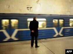 Станцыя мэтро «Кастрычніцкая» пасьля выбуху 11 красавіка 2011 году