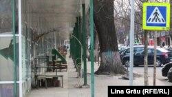 Piața de flori din centrul Chișinăului s-a închis din cauza epidemiei de coronavirus
