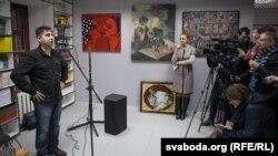 Выступае дырэктар выдавецтва «Галіяфы» Зьміцер Вішнёў