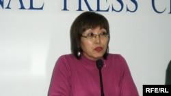 Майра Абенова рассказывает о действиях налогового комитета против общественной организации «ДОМ». Алматы, 10 февраля 2009 года.