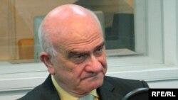 Евгений Ясин в студии Радио Свобода